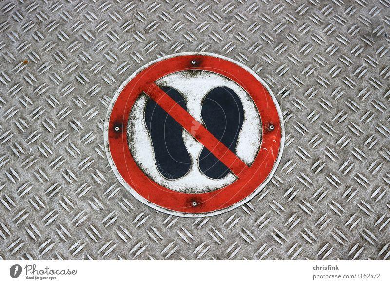 Betreten der Fläche verboten Sport Werkzeug Maschine Gebäude Verkehr Verkehrsmittel Fußgänger Wege & Pfade Verkehrszeichen Verkehrsschild Metall Zeichen stehen