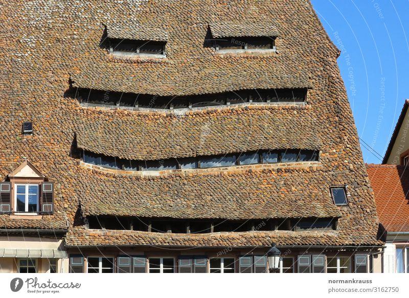 Maison du Sel (das Salzhaus) in Wissembourg Alba Iulia Frankreich Europa Stadt Altstadt Menschenleer Haus Bauwerk Gebäude Architektur Dach Sehenswürdigkeit