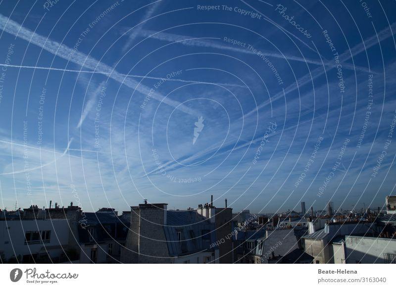 Himmel über Paris Wolken Kondensstreifen Paris Métro Mauer Wand Fassade Kamin Fenster Dach Dachrinne Schornstein Arbeit & Erwerbstätigkeit atmen Bewegung