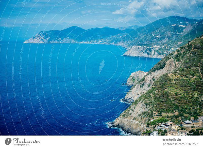 Italienische Küste II Natur Landschaft Wasser Wellen Bucht Meer Cinque Terre Europa Ferien & Urlaub & Reisen Weltkulturerbe Felsen Farbfoto Menschenleer
