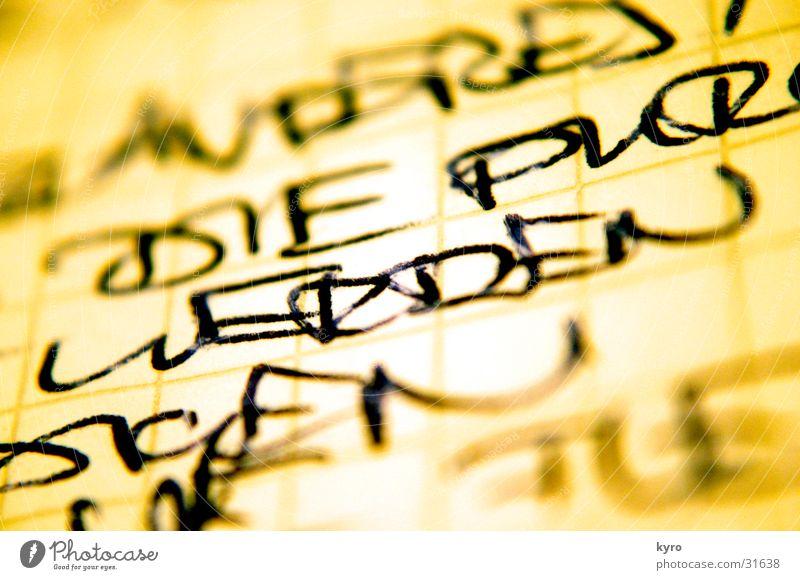 werden gelb Schriftzeichen nah Typographie Handschrift Tinte Kugelschreiber Schreibgerät
