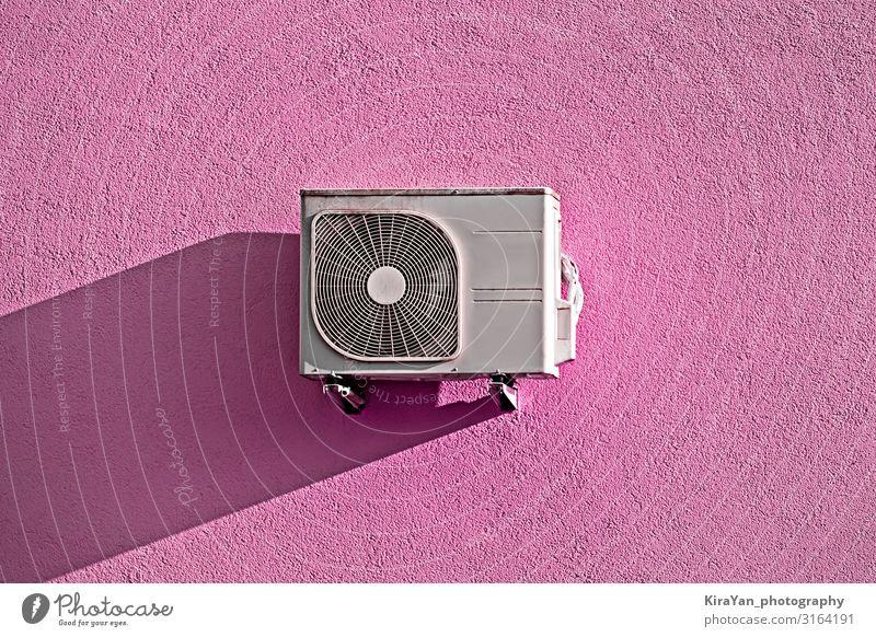 Moderner Klimakompressor an rosa Wand Lifestyle Design Klimaanlage Technik & Technologie drehen frieren füttern Reinigen Erfolg Macht Geborgenheit gefährlich