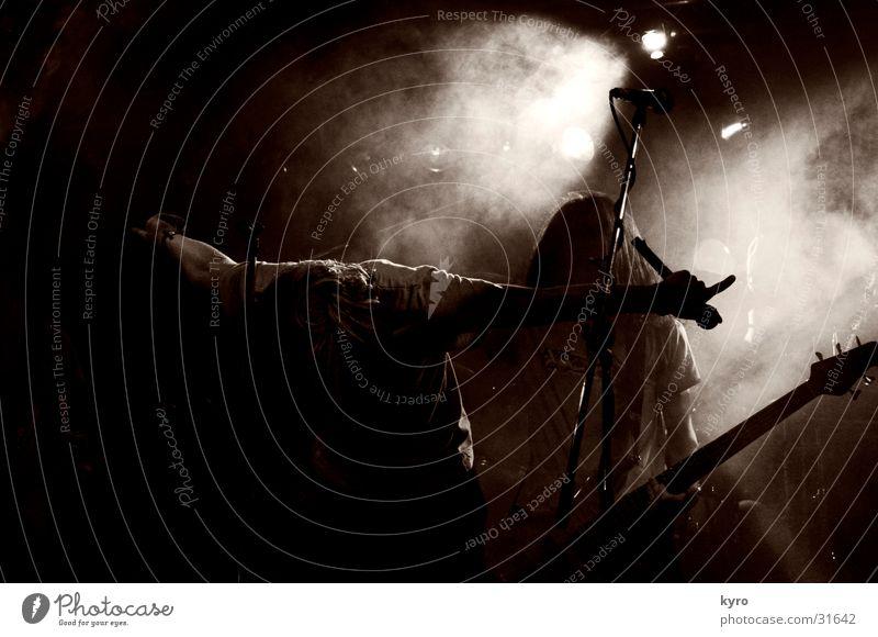 slidepulsedown dunkel Musik Nebel Show Konzert Rockmusik Gitarre Bühne Fan Aktien laut Schlagzeug Sänger Verstärker