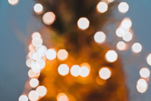 Verschwommenes Feenlicht Glitzer von Weihnachtslichtern Reichtum Glück schön Winter Dekoration & Verzierung Lampe Nachtleben Feste & Feiern Weihnachten & Advent