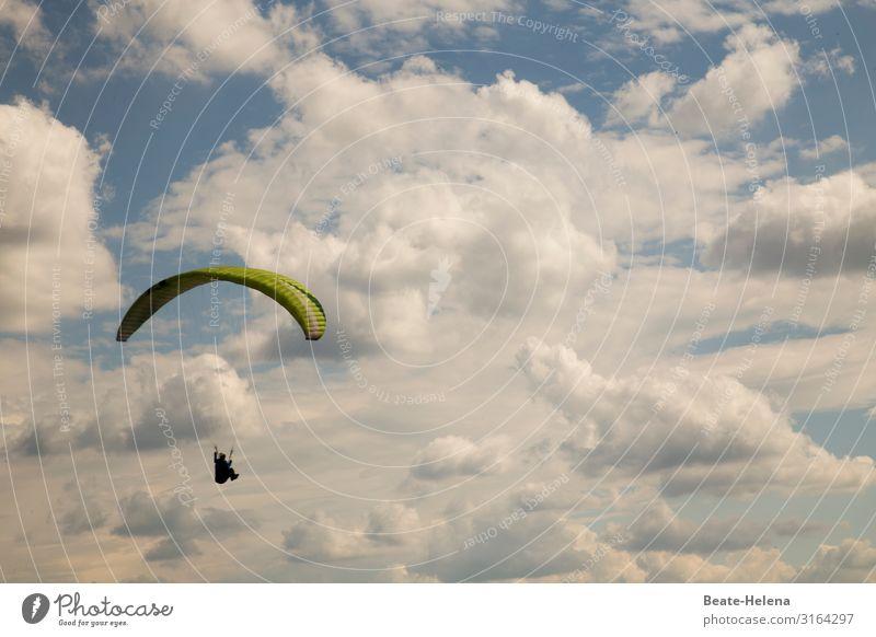 Abgehoben l Up into the Sky Freizeit & Hobby Abenteuer Freiheit Gleitschirmfliegen Natur Urelemente Luft Himmel Wolken Schönes Wetter Segelflugzeug wählen