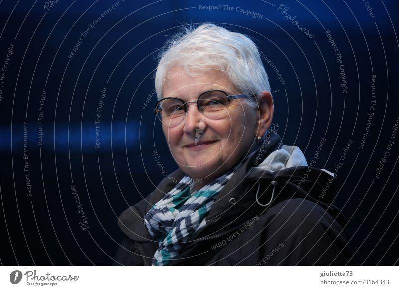 Glück kommt von innen   UT HH19 Frau Mensch schön Erwachsene Leben Senior natürlich Zufriedenheit Lächeln 45-60 Jahre 60 und älter Lebensfreude authentisch