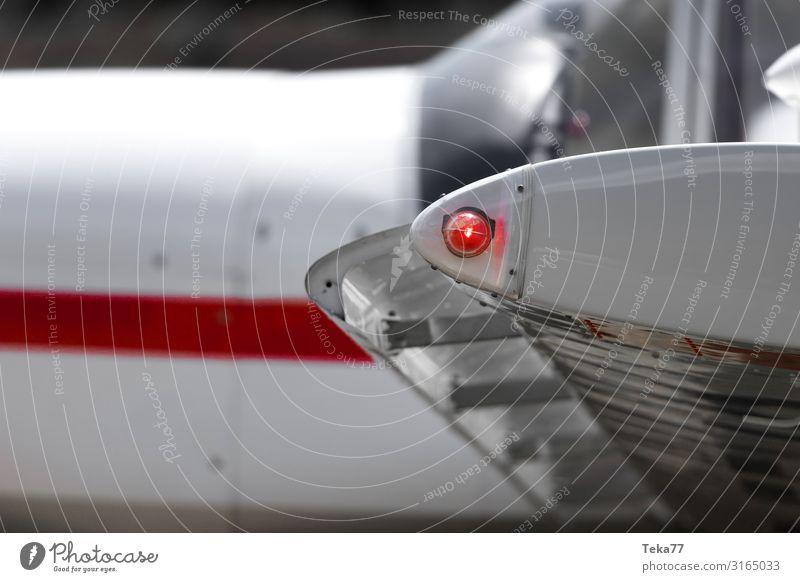 Sportflugzeuglampe Maschine Technik & Technologie Luftverkehr Flughafen ästhetisch Flugplatz Rollfeld Farbfoto Außenaufnahme Nahaufnahme