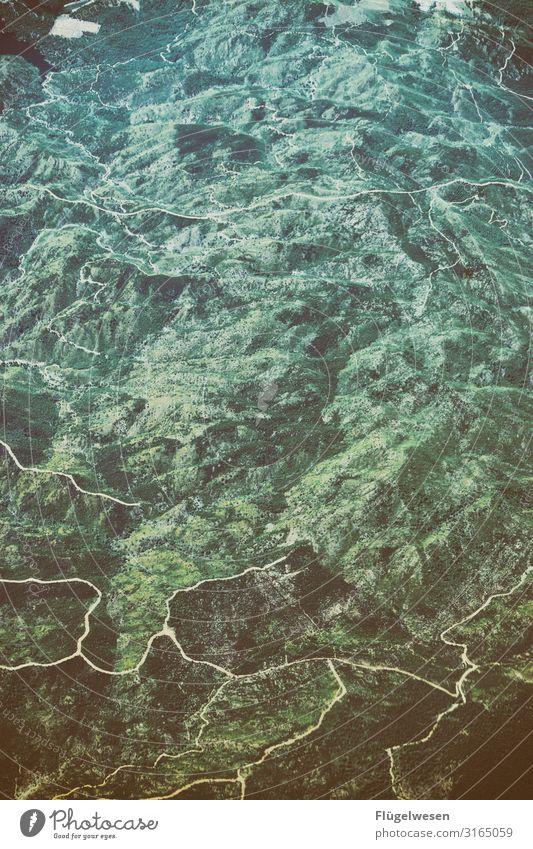 Luftaufnahme eins Ferien & Urlaub & Reisen Tourismus Ausflug Abenteuer Ferne Freiheit Blick Aussicht Luftverkehr Flugzeug Wolken Berge u. Gebirge Bergsteigen