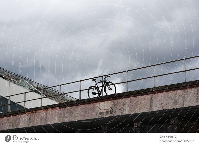 Fahrradstation | UT HH19 Fahrradfahren Fitness Sport-Training Himmel Wolken Gewitterwolken schlechtes Wetter Brücke Brückengeländer Verkehrsmittel Fahrzeug