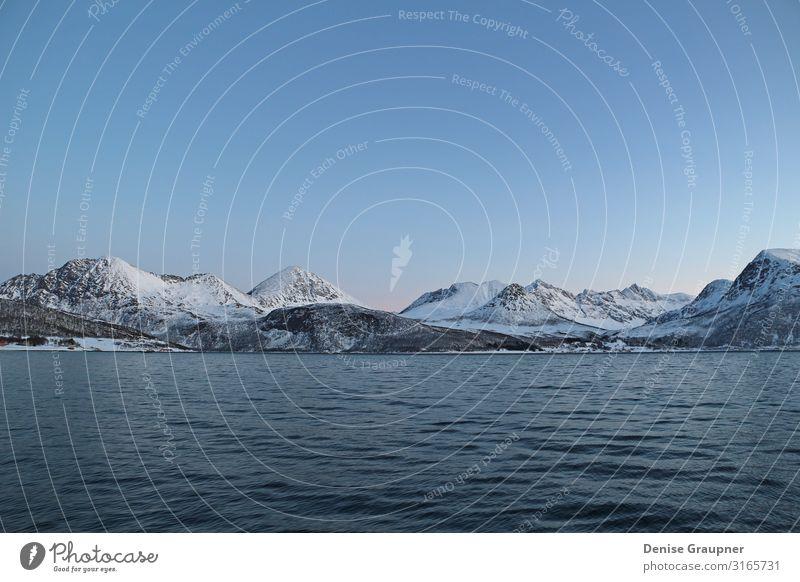 Snow-covered mountains in Norway fjord Ferien & Urlaub & Reisen Tourismus Abenteuer Meer Winter Weihnachten & Advent Umwelt Natur Landschaft Wasser Klima Eis