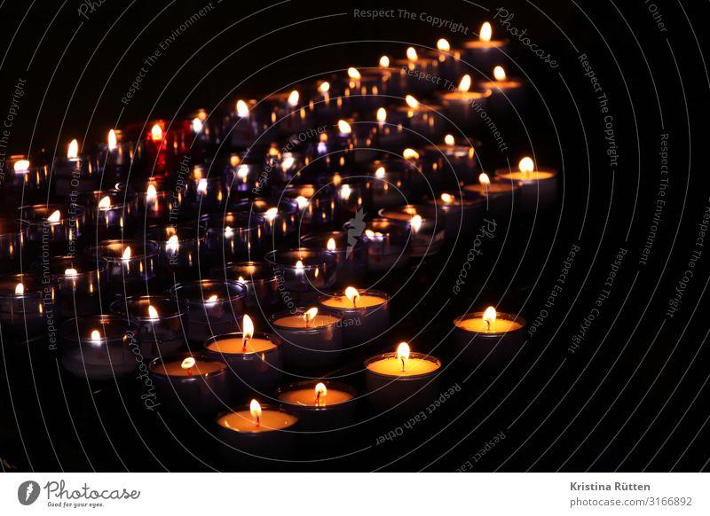 gedenkkerzen Religion & Glaube Traurigkeit Tod Stimmung Kerze Symbole & Metaphern Trauer Erinnerung Gebet Abschied verlieren trösten Souvenir erinnern