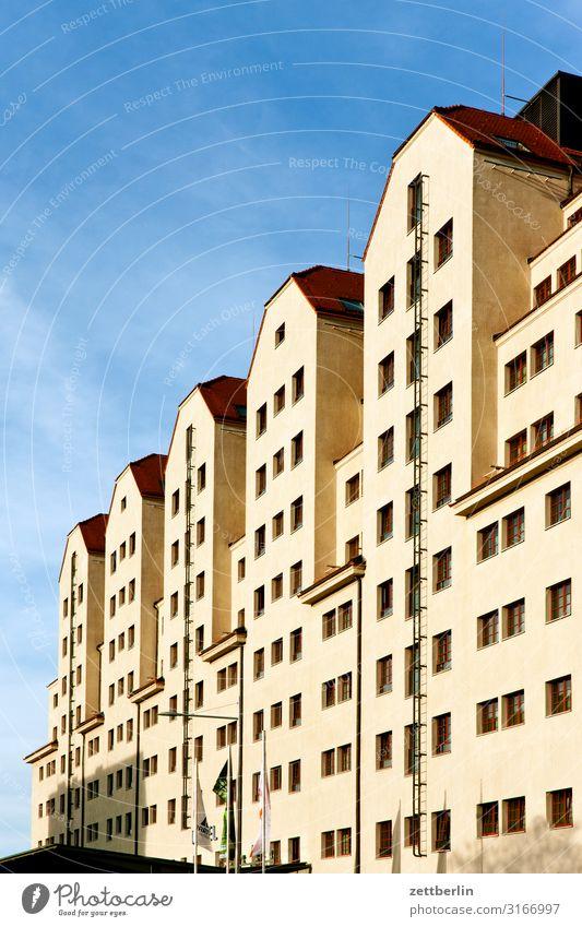 Erlweinspeicher Dresden Altstadt Architektur Elbufer Hauptstadt Ferien & Urlaub & Reisen Reisefotografie Sachsen Stadt Städtereise Tourismus erlweinspeicher