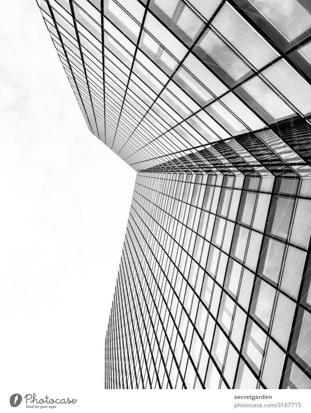 #minimalism#architecture#hamburg Himmel Wolkenloser Himmel Hamburg Hochhaus Bauwerk Gebäude Architektur Fassade Glas ästhetisch eckig groß hoch kalt modern neu