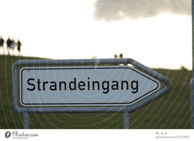 Hinweisschild Strandeingang in Bensersiel an der Nordsee Ferien & Urlaub & Reisen Tourismus Ausflug Meer Insel Sonnenaufgang Sonnenuntergang Fischerdorf