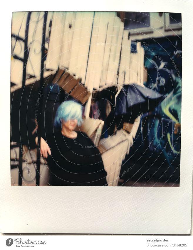 ManmussChaosinsichtragen,umeinenSternzugebären | UT HH 10.19 Frau Mensch Jugendliche Junge Frau blau schön Erwachsene feminin Feste & Feiern Party