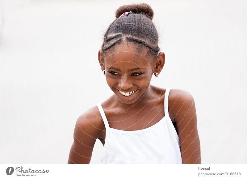 Kind Mensch Ferien & Urlaub & Reisen schön weiß Freude Mädchen schwarz Gesicht Straße Auge Lifestyle Leben feminin Glück Stil