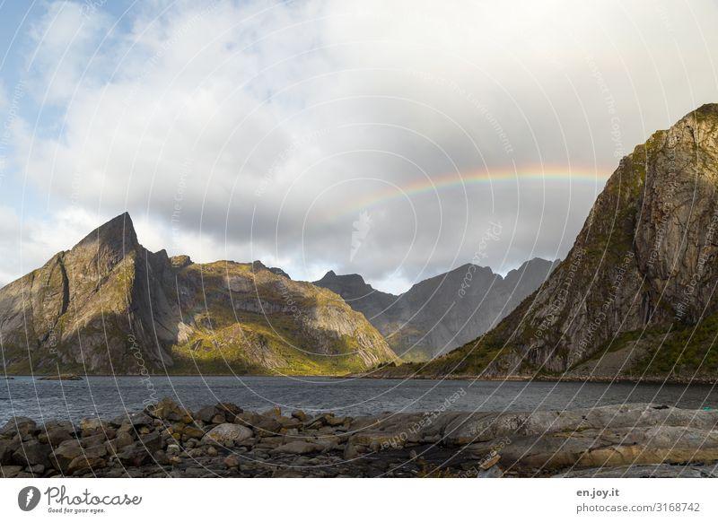 Fensterblick Himmel Ferien & Urlaub & Reisen Natur Landschaft Berge u. Gebirge Herbst Küste Felsen Wetter Idylle Klima Skandinavien Norwegen Regenbogen
