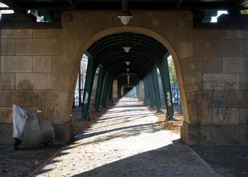 Schein & Schön Schönes Wetter historisch lang Unterführung Prenzlauer Berg Hochbahn Schönhauser Allee