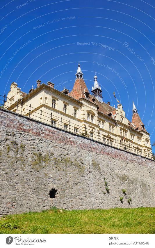 Das Rathaus Sightseeing Haus Altstadt Gebäude Architektur Fassade alt Verteidigungsmauer Europa Außenseite historisch Wahrzeichen mittelalterlich