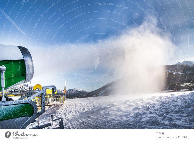 Jetzt wird die Planai beschneit Winter Schönes Wetter Eis Frost Schnee Schneefall Berge u. Gebirge Berg Planai Schneekanone kalt blau grün Vorfreude Klima