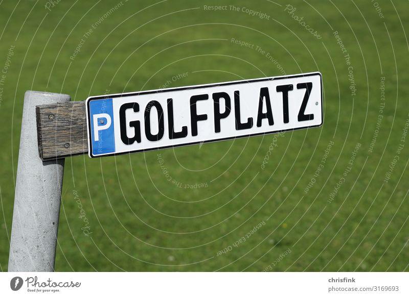 Golfplatz Parkplatzschild Freizeit & Hobby Spielen Sommer Sport Natur Landschaft Gras Sex Sexualität sparsam Freude Schilder & Markierungen Reichtum Farbfoto
