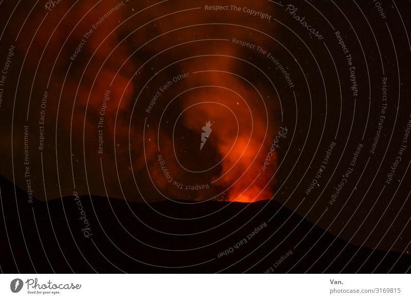 Ätna³ in der Nacht Natur Urelemente Gipfel Vulkan Sizilien außergewöhnlich dunkel rot schwarz bedrohlich glühen Lava Vulkankrater Ausbruch Eruption Rauch