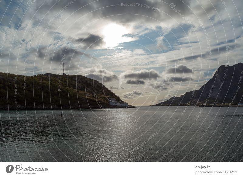 Durchfahrt Ferien & Urlaub & Reisen Ausflug Ferne Umwelt Natur Landschaft Himmel Wolken Sonne Hügel Berge u. Gebirge Fjord Reinefjorden Lofoten Norwegen