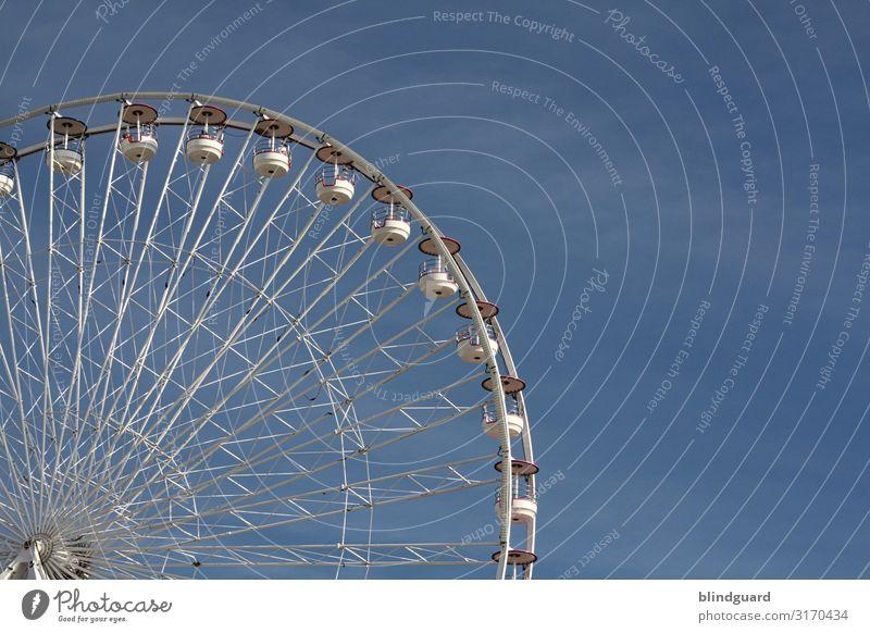 Wheel Of Life Ausflug Sommerurlaub Meer Jahrmarkt Schausteller Schönes Wetter Oostende Metall Stahl Kunststoff Bewegung fahren blau grau weiß Freude