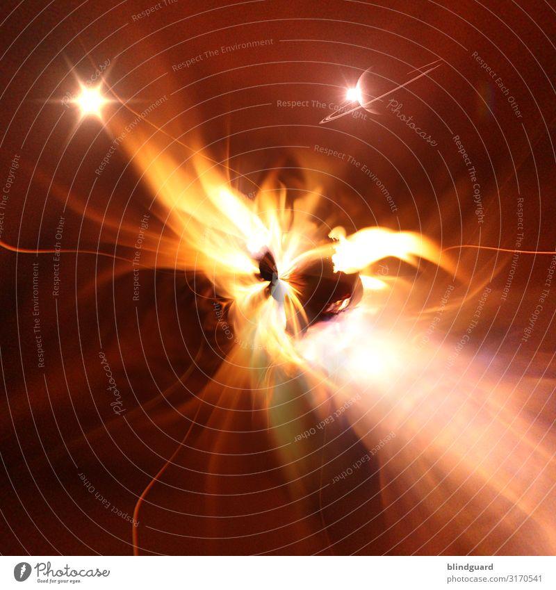 Das erste Lichtlein brennt Kamin bedrohlich heiß Wärme braun gelb orange rot schwarz weiß Kraft Angst ästhetisch heizen brennen faszinierend Flamme Funken Glut