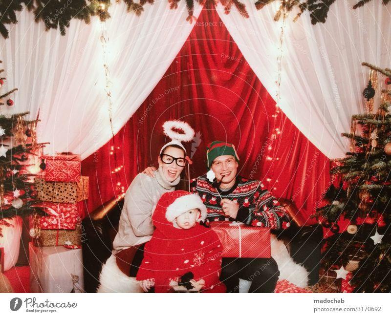 Weihnachten Famile Familenfoto Kitsch Feier Lifestyle kaufen Reichtum Stil Glück harmonisch Wohlgefühl Zufriedenheit Häusliches Leben Wohnung