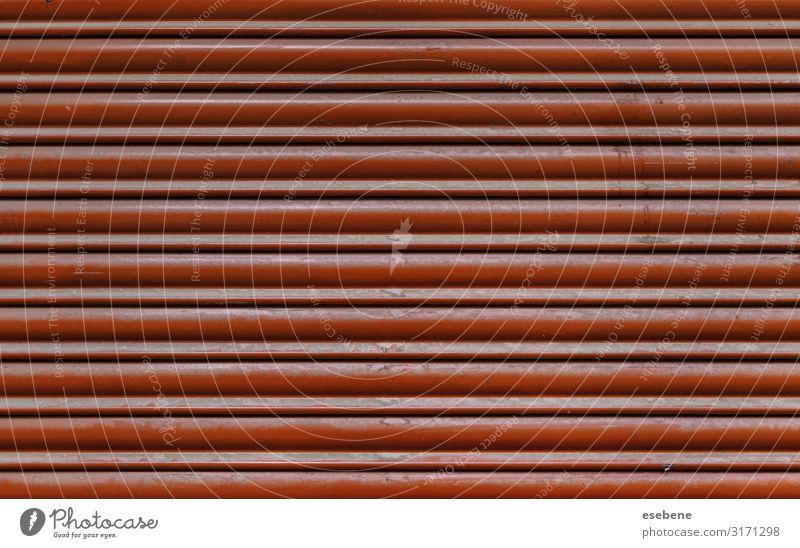 Rote Metallwand Teller Design Tapete Industrie Gebäude Architektur Container Stahl Rost Linie Streifen alt glänzend modern neu retro rot Farbe schließen Raum