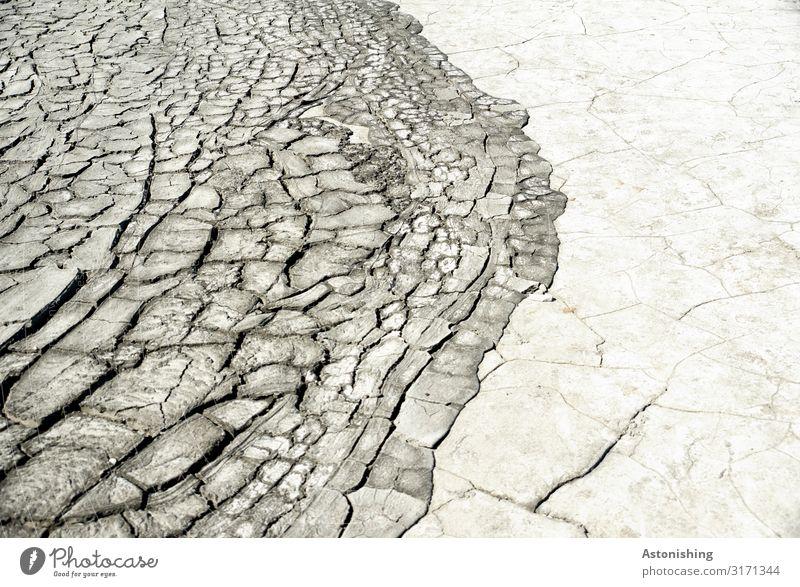 trockener Matsch Umwelt Erde Sand Sommer Dürre Berca Noroiosi Rumänien Stein trist braun grau Grenze Riss Mondlandschaft exotisch Reisefotografie matschen
