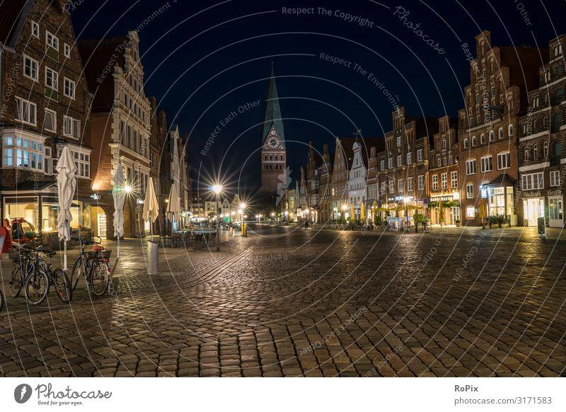 Am Sande in Lüneburg. Lifestyle Reichtum Freude Leben harmonisch Wohlgefühl Ferien & Urlaub & Reisen Tourismus Sightseeing Städtereise Dienstleistungsgewerbe