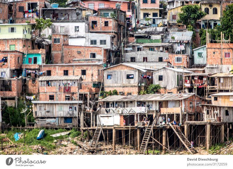 Favela Ferien & Urlaub & Reisen Städtereise Dorf Fischerdorf Stadt Hauptstadt Stadtzentrum Stadtrand überbevölkert Haus Hütte Armut Reichtum Häusliches Leben