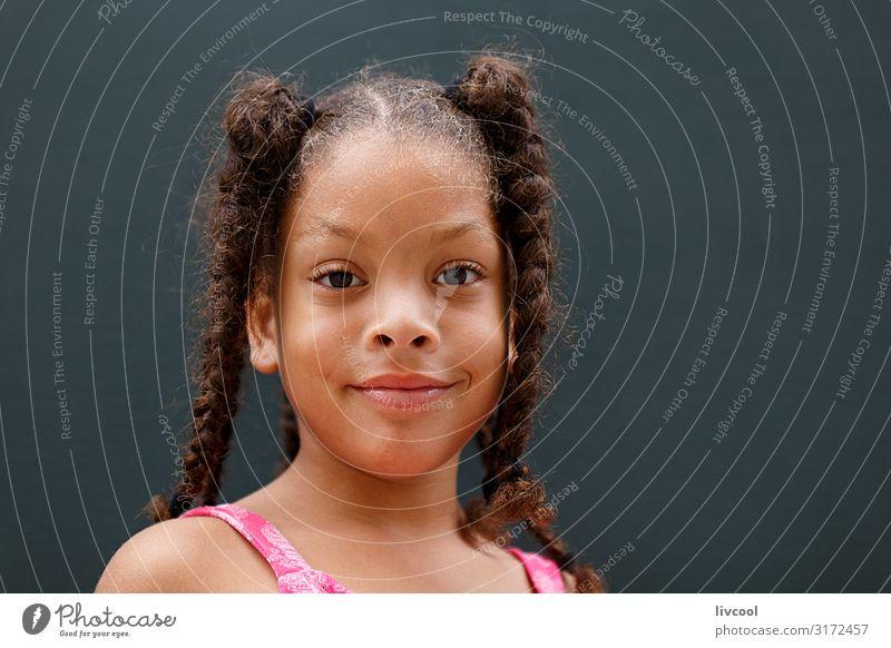 Glückliches Mädchen, Havanna - Kuba Lifestyle Stil schön Leben Spielen Ferien & Urlaub & Reisen Ausflug Insel Kind Mensch feminin Junge Frau Jugendliche