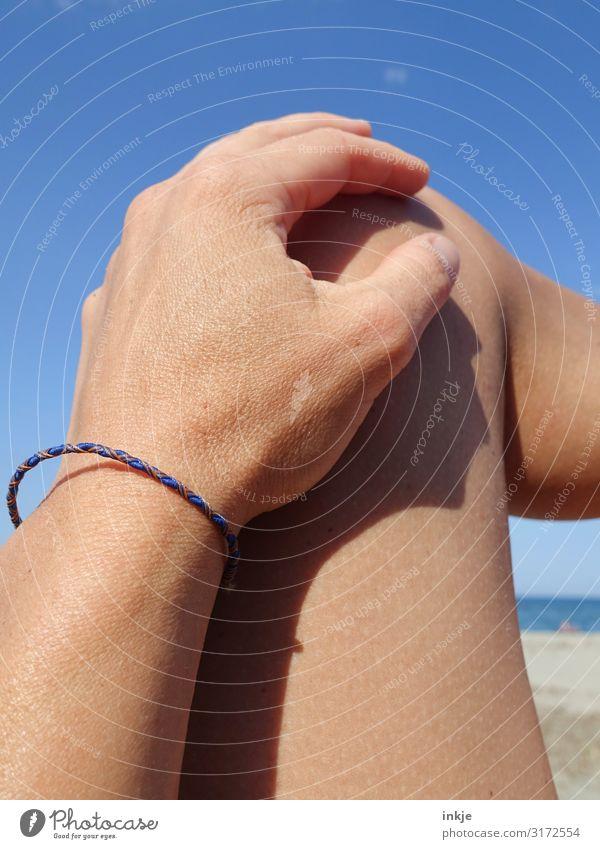 am Strand Sinnesorgane Erholung ruhig Freizeit & Hobby Ferien & Urlaub & Reisen Tourismus Sommer Sommerurlaub Sonne Sonnenbad Meer feminin Frau Erwachsene Leben
