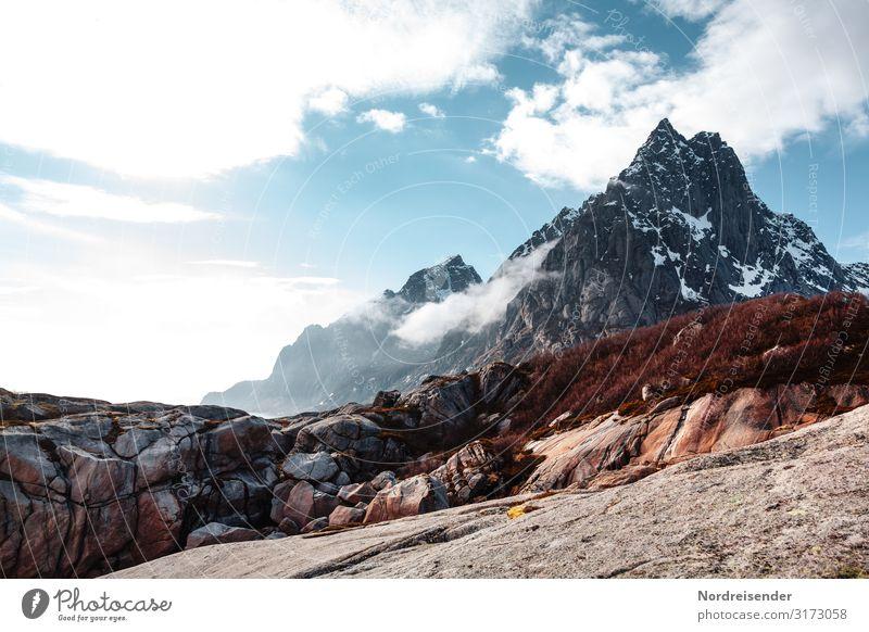 Lofoten Ferien & Urlaub & Reisen Tourismus Abenteuer Ferne Berge u. Gebirge wandern Natur Landschaft Urelemente Himmel Wolken Klima Schönes Wetter Schnee Felsen