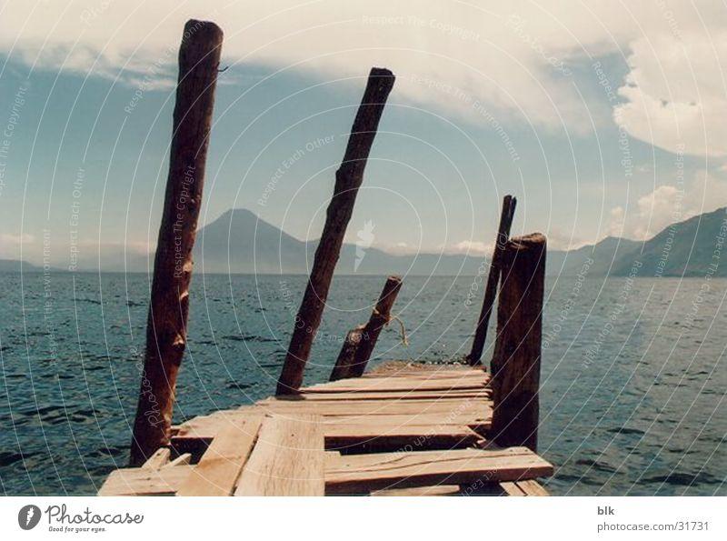 Lago Atitlan See Aussicht Steg Vulkan Südamerika Guatemala