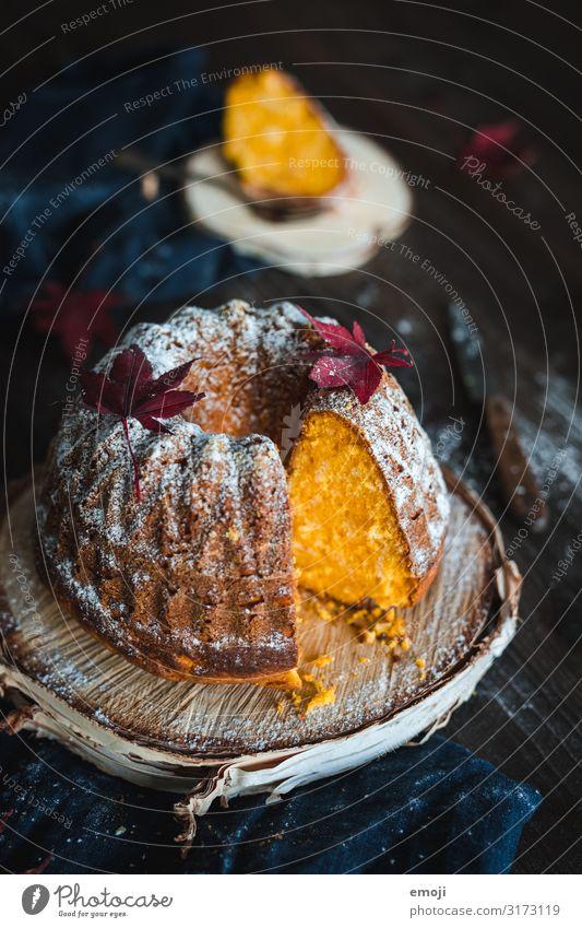 Kürbiskuchen gelb Ernährung süß lecker Kuchen Dessert Saison Kaffeetrinken Slowfood Kürbiszeit Gugelhupf
