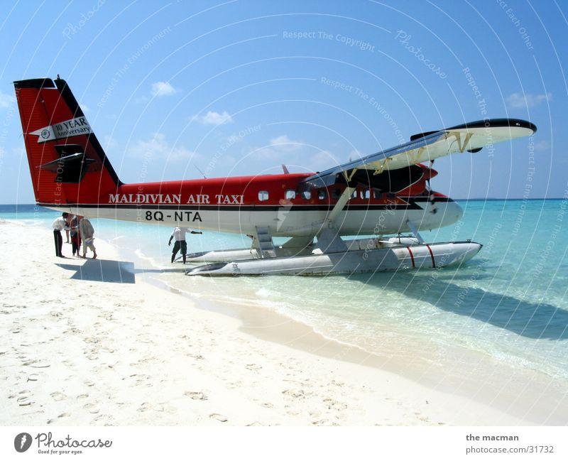 Wasserflugzeug auf Fesdu Meer Ferien & Urlaub & Reisen Erholung fliegen Abenteuer Insel Flugzeug Malediven Wasserflugzeug