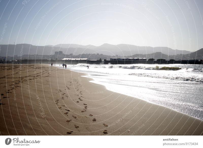 799 Fußspuren Freizeit & Hobby Ferien & Urlaub & Reisen Tourismus Ausflug Ferne Freiheit Sommer Sommerurlaub Sonne Sonnenbad Strand Meer Wellen Surfen Mensch
