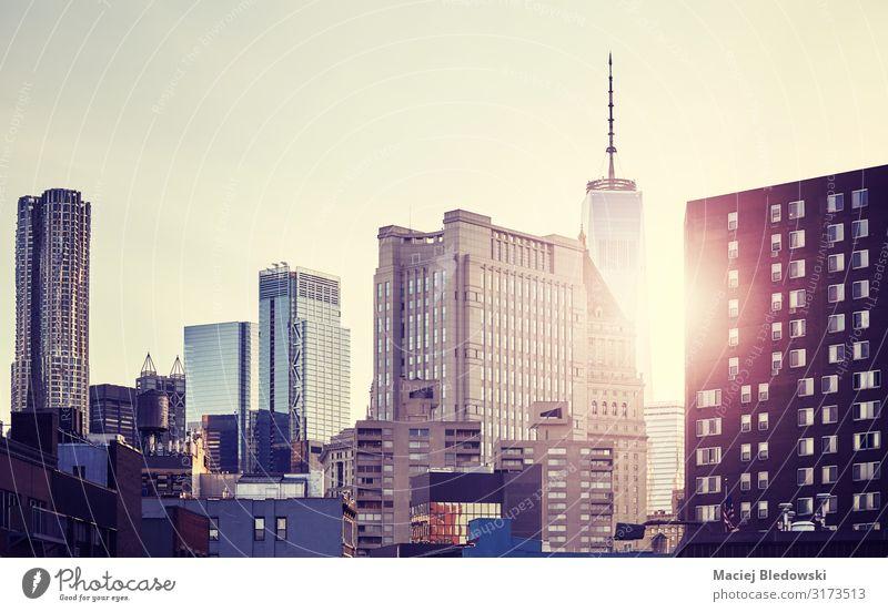 Skyline von New York City bei Sonnenuntergang, USA. Reichtum Ferien & Urlaub & Reisen Sightseeing Städtereise Häusliches Leben Wohnung Büro Himmel Hochhaus