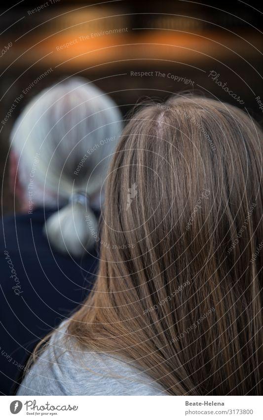 Langhaarmode für alle Haare Mode Hinterkopf Haare & Frisuren Kopf Mensch Frau Zopf Junge Frau Mann weißhaarig dunkelblond praktisch Erwachsene langhaarig Gender