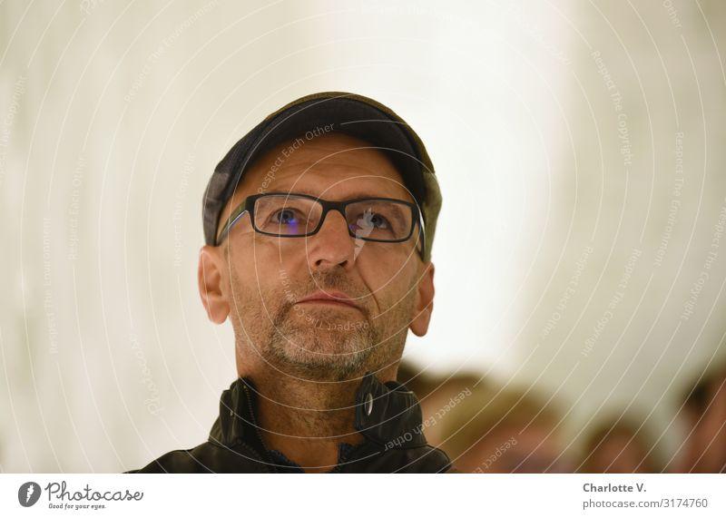 Entschlossen | UT HH19 Mensch maskulin Mann Erwachsene Männlicher Senior Leben 45-60 Jahre Brille Mütze Dreitagebart Blick authentisch grau weiß Gefühle