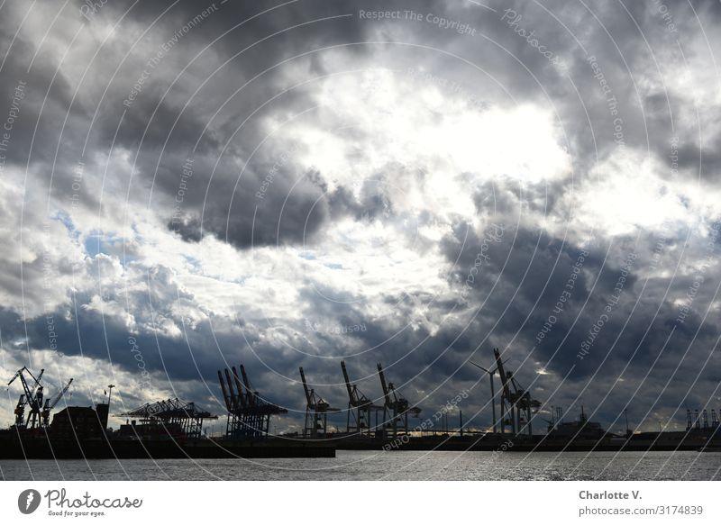 Dramatische Szenen über Hamburg II | UT HH19 Industrie Umwelt Urelemente Wasser Himmel Wolken Gewitterwolken schlechtes Wetter Unwetter Schifffahrt Hafen Kran