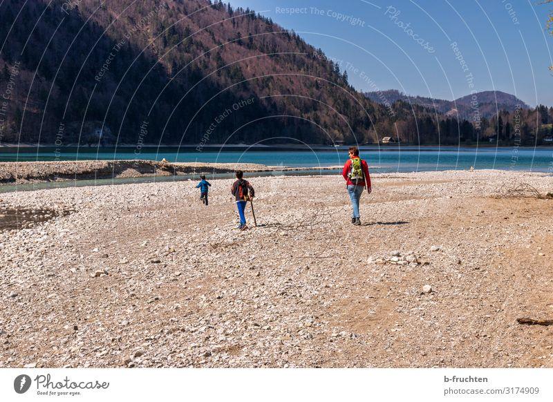 Wandern mit Kindern Wohlgefühl Erholung Ferien & Urlaub & Reisen Ausflug wandern Frau Erwachsene Familie & Verwandtschaft Kindheit 3 Mensch Natur
