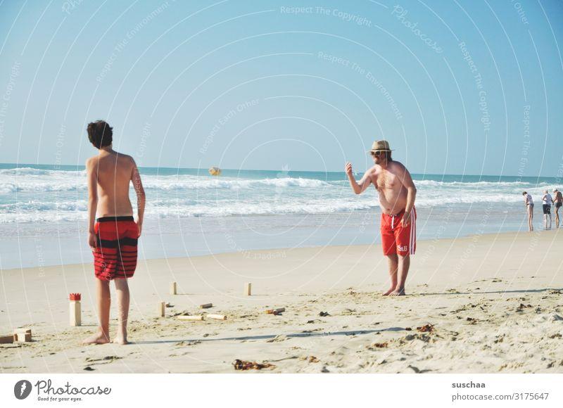 urlauber am strand Mann Urlaub Sommer Badehose Meer Atlantik Sandstrand Weite Ferien Urlauber Sommerferien Wellen Ferien & Urlaub & Reisen Strand Wasser Küste