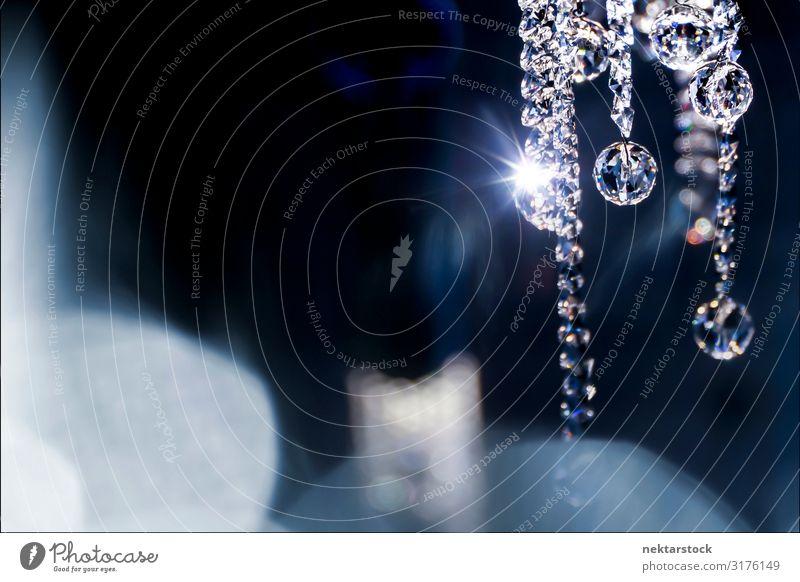 Funkelnder Kristallanhänger auf Bokeh Hintergrund Reichtum elegant schön Dekoration & Verzierung Schmuck Liebe Kristalle Diamant funkeln Glanz Schmuckanhänger