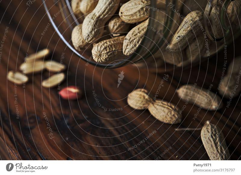 Erdnüsse Lebensmittel Erdnuss Einmachglas Schraubverschlussglas frisch Gesundheit lecker natürlich braun genießen Ernährung Farbfoto Studioaufnahme Nahaufnahme