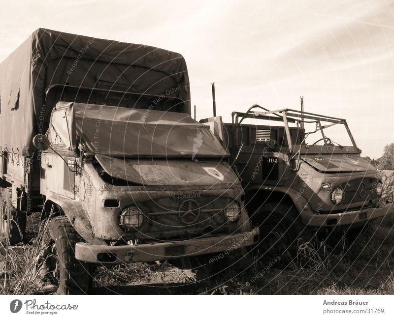 ausgemustert alt ruhig Einsamkeit grau PKW Verkehr antik Schrott